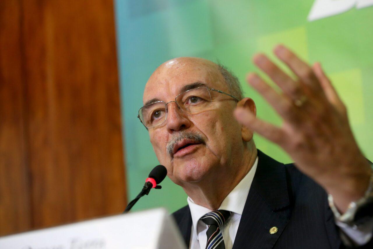 Ministro Osmar Terra fala do pente-fino no Bolsa Família